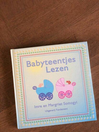 Boek: Babyteentjes lezen