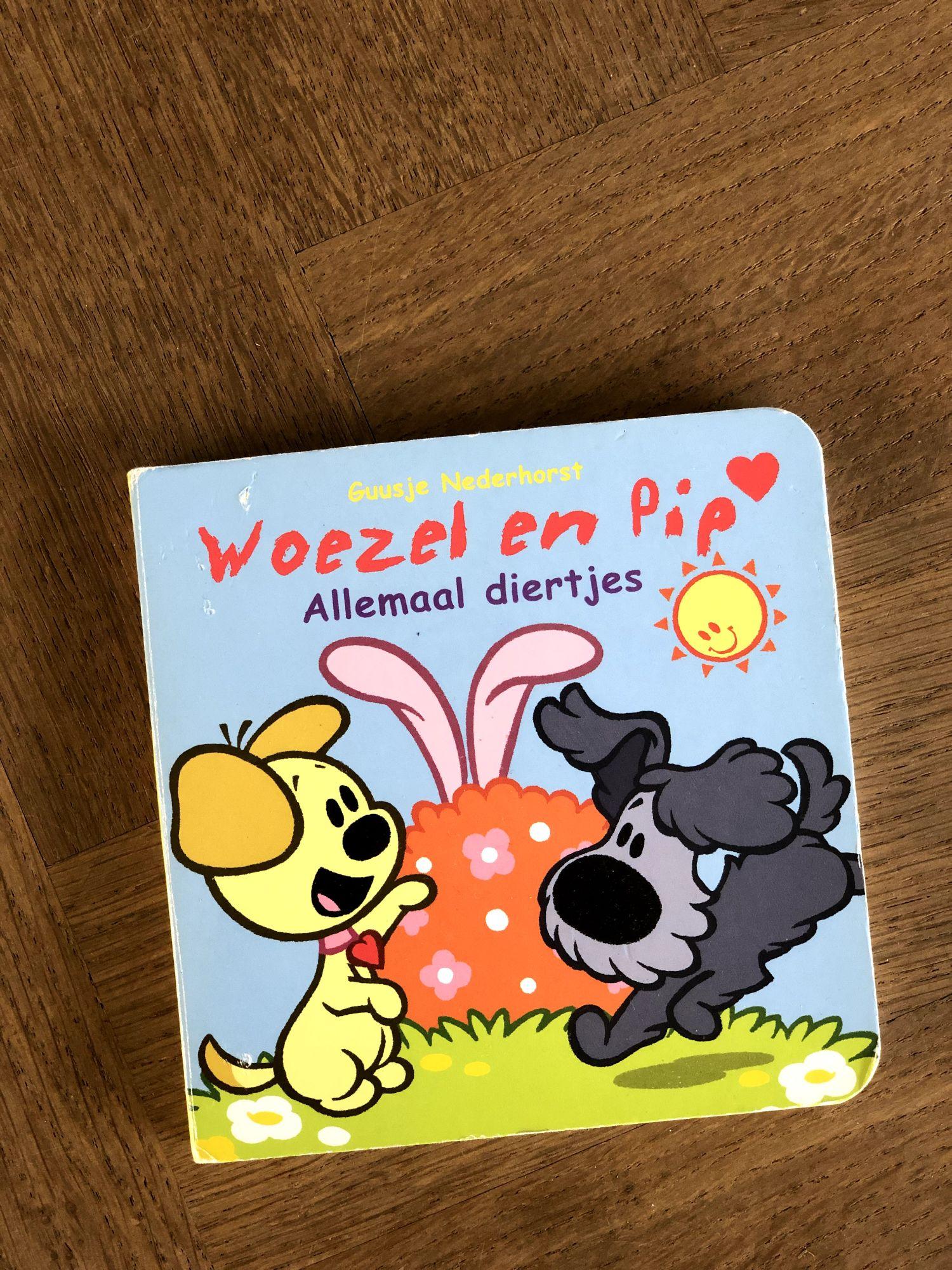 Kartonnen boekje Woezel en Pip