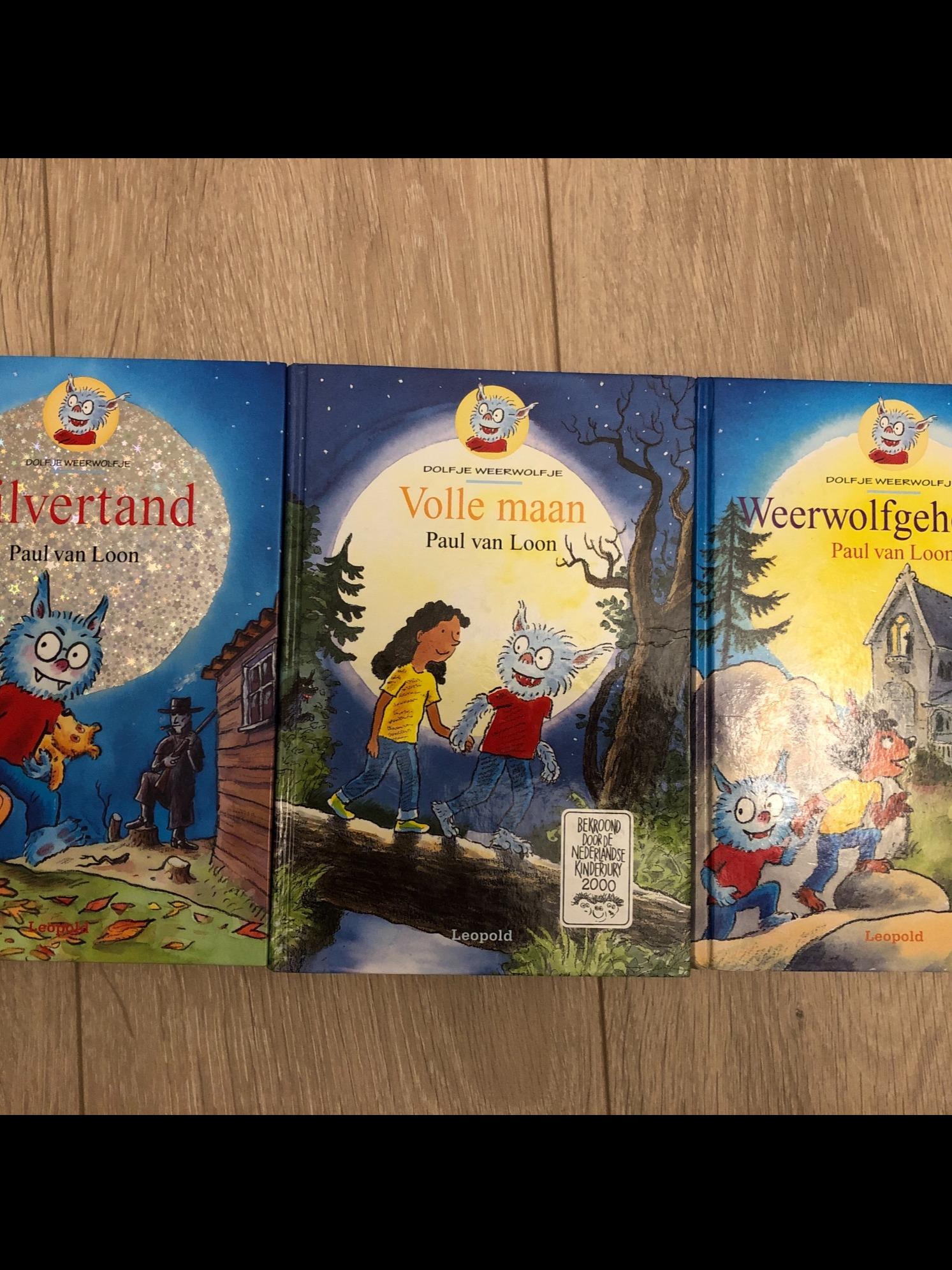 3 boeken Dolfje Weerwolfje