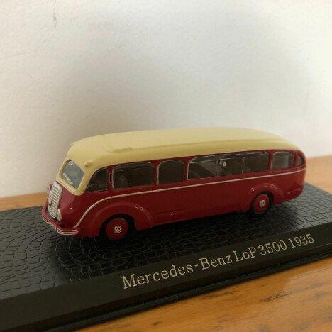 Model bussen