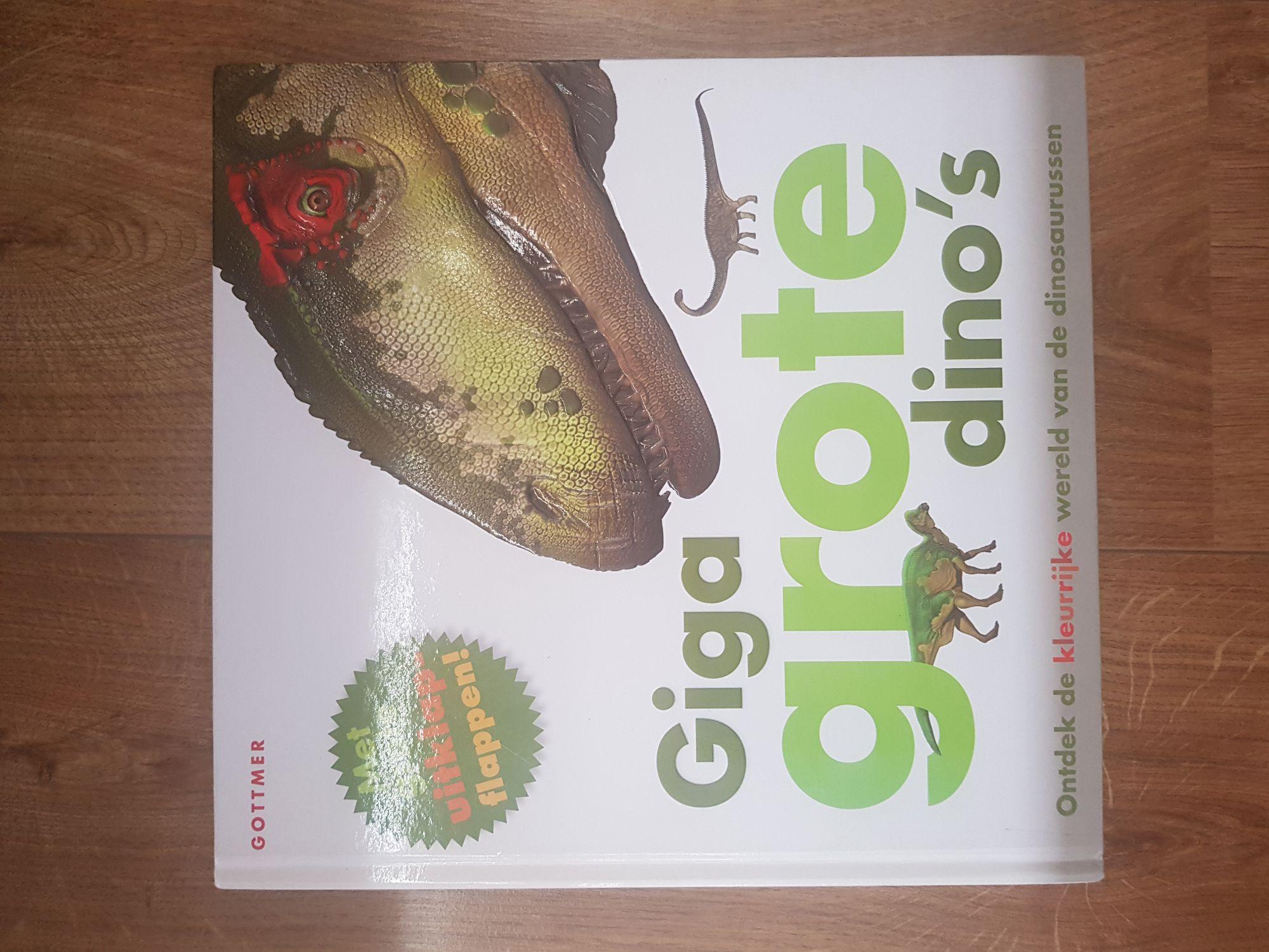 Dino boek met uitkkap bladen