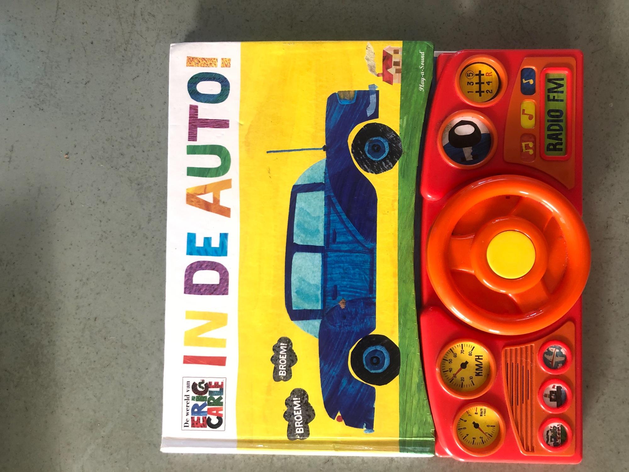 Auto boek met stuur en geluiden