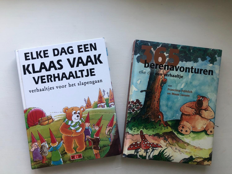 Twee boeken met voor elke dag een verhaal