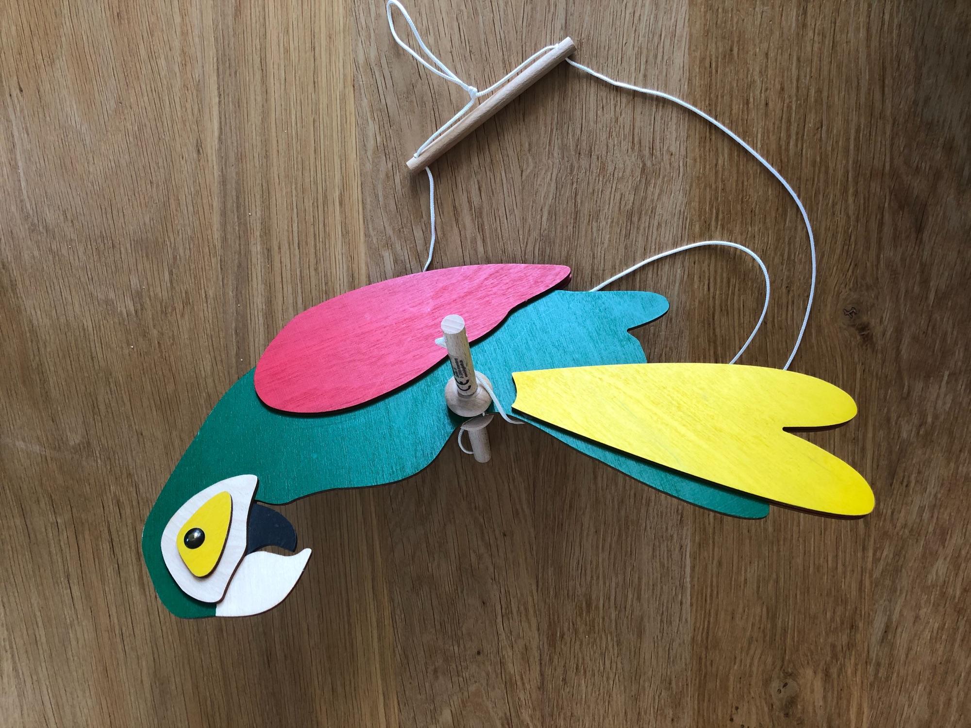 Houten papegaai