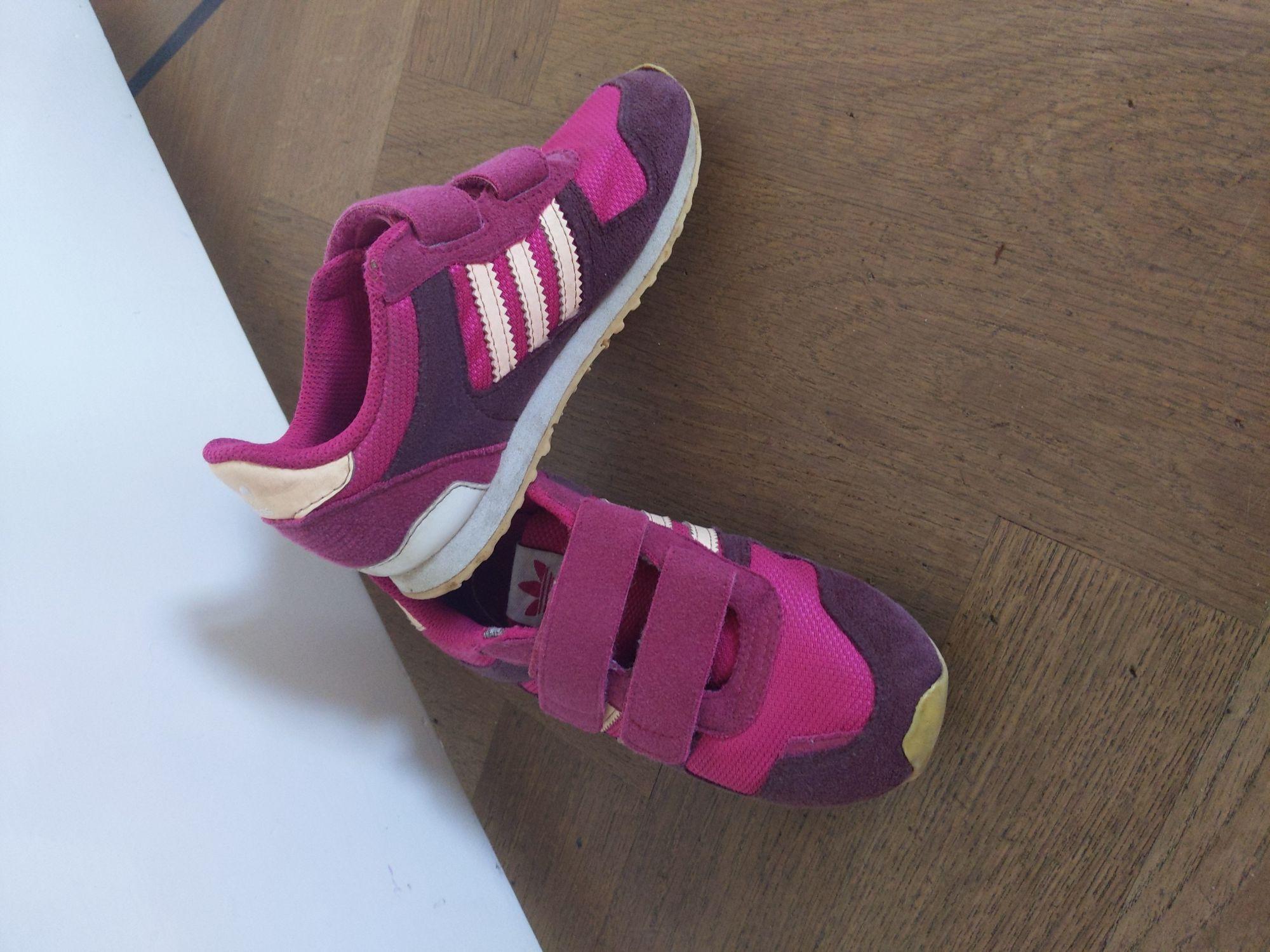 Roze Adidas gympjes
