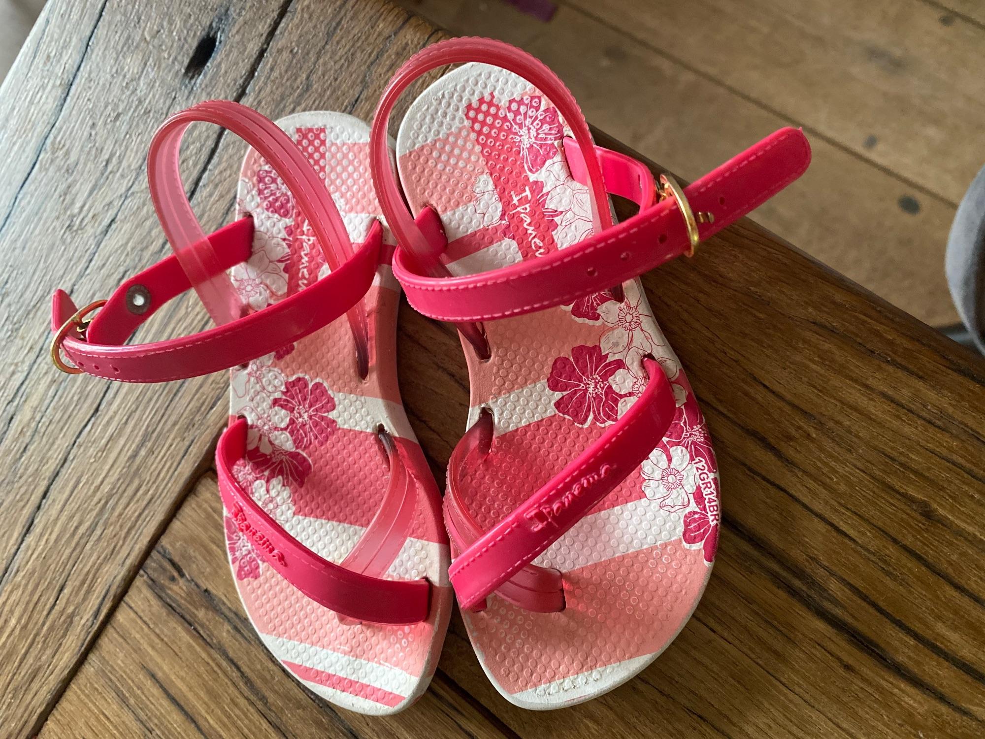 Ipanama slippers