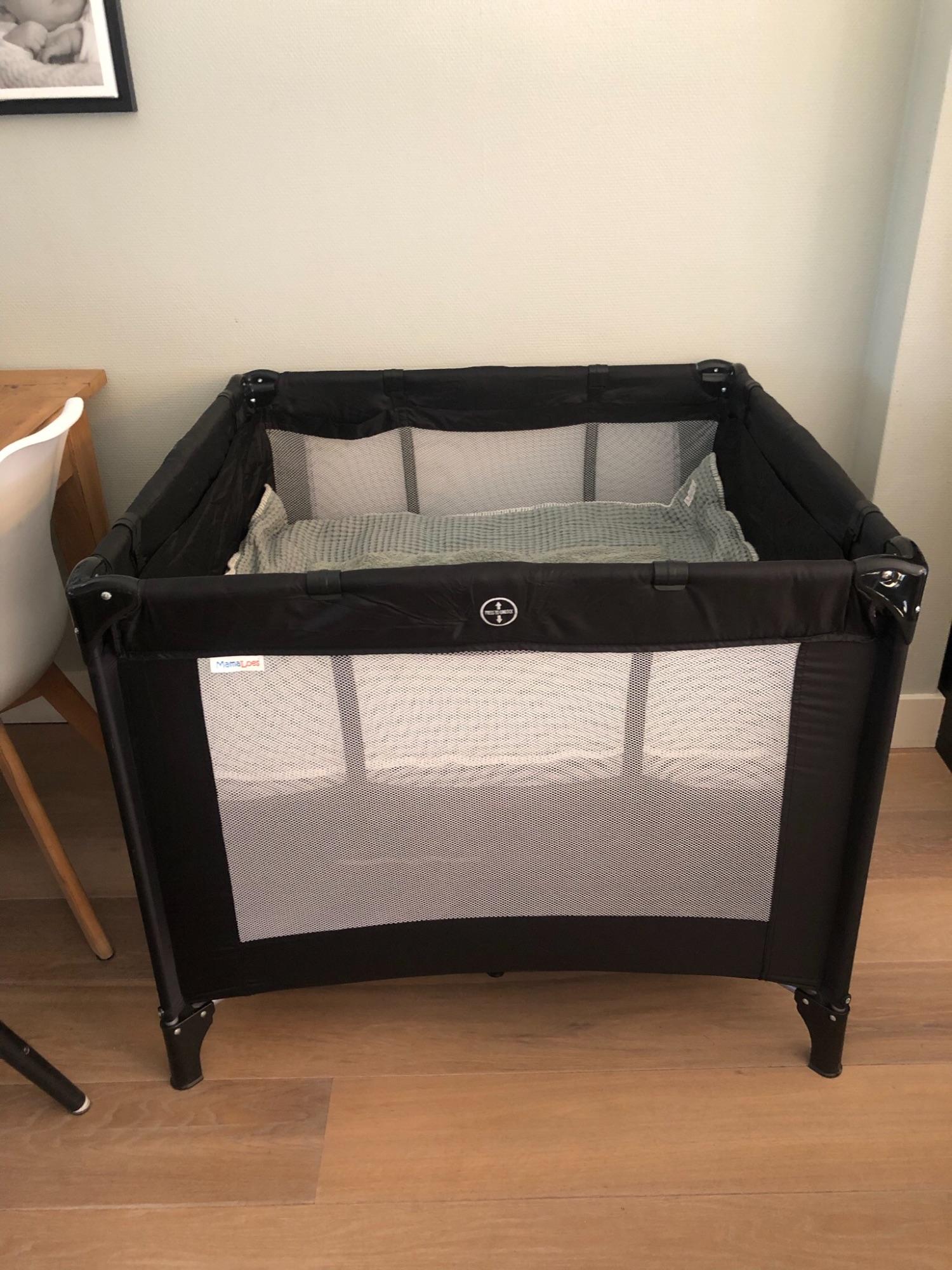 Camping box/ bed zwart incl Koeka boxkleed